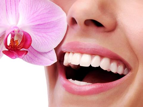 Bọc răng sứ thẩm mỹ đẹp tự nhiên - Nha Khoa MEDIKA