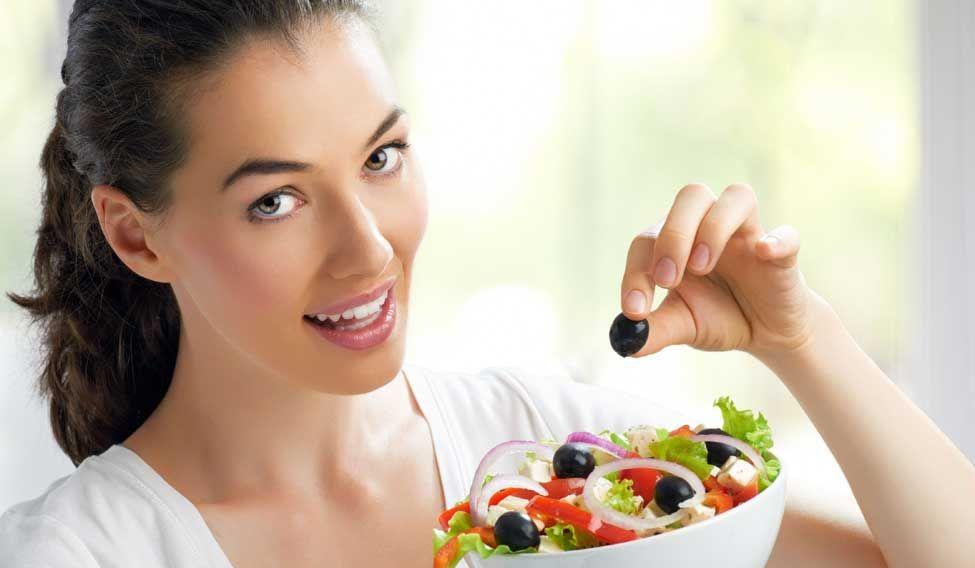 Ăn uống đúng cách sẽ làm răng sạch và sáng bóng