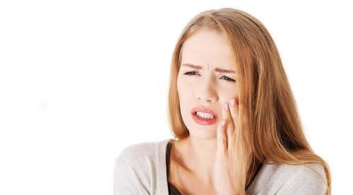 Nguyên nhân khiến răng ê buốt sau khi bọc răng sứ Nha khoa MEDIKA