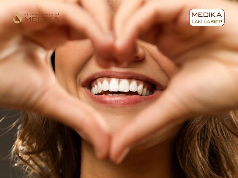 Thực hiện cấy ghép răng Implant bao lâu được gắn răng sứ nha khoa MEDIKA